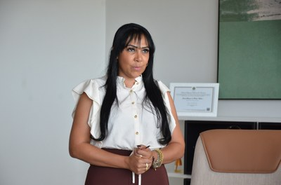 Professora Janad Valcari