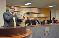 Câmara de Palmas homenageia profissionais da odontologia