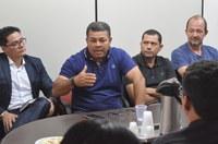 Em reunião, vereador Folha coloca a Câmara à disposição de produtores para legalizar comércio de carnes