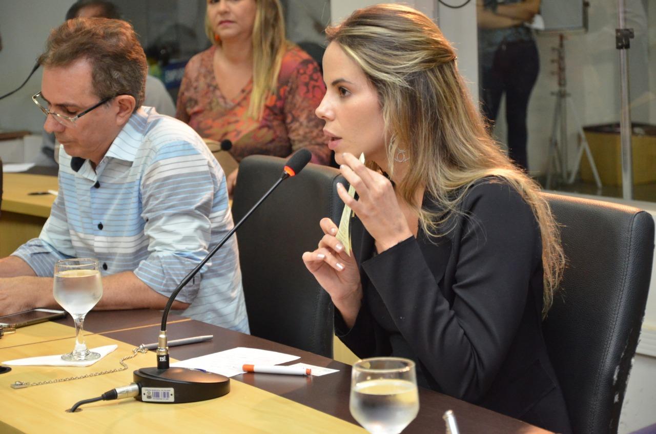Frente Parlamentar do Comércio promove reunião e discute estacionamento rotativo da Capital