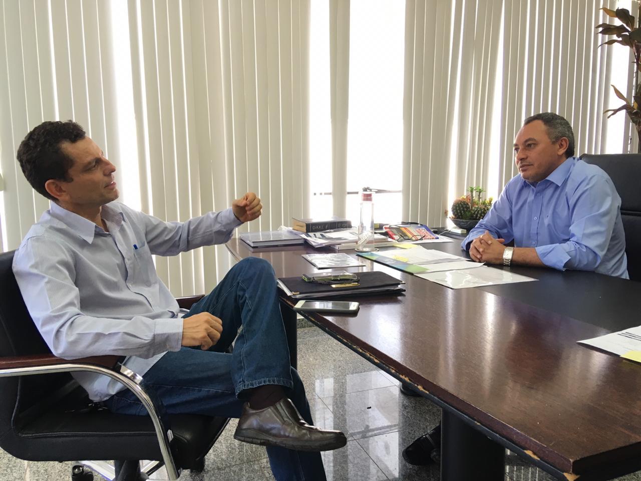 Marilon Barbosa recebe presidente da CPI da BRK de Paraíso