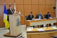 Parlamentares debatem a reabertura do comércio e o isolamento vertical
