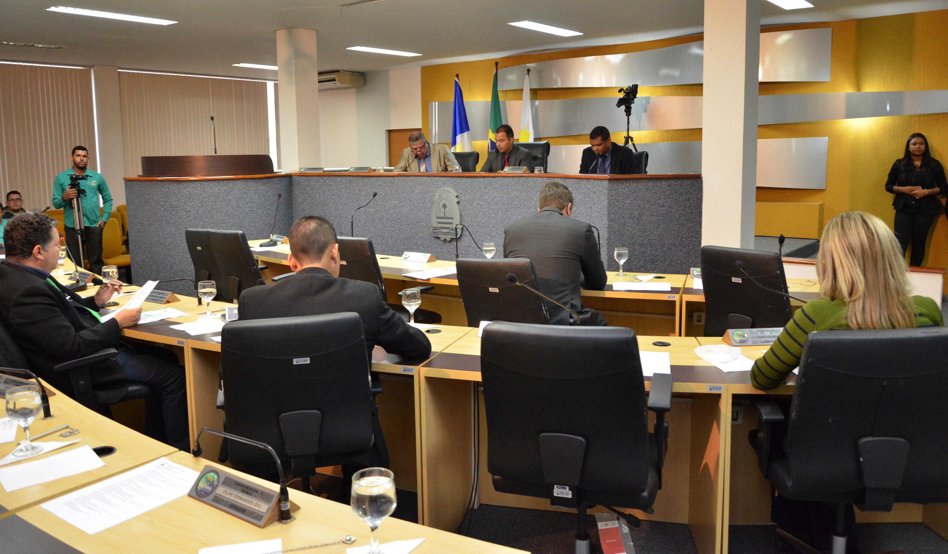 Sessão Solene alerta sobre conscientização da violência contra os idosos