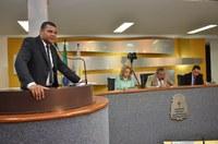 Vereador Rogério Santos apresenta projeto de lei que cria vaga exclusiva para transporte escolar nos colégios