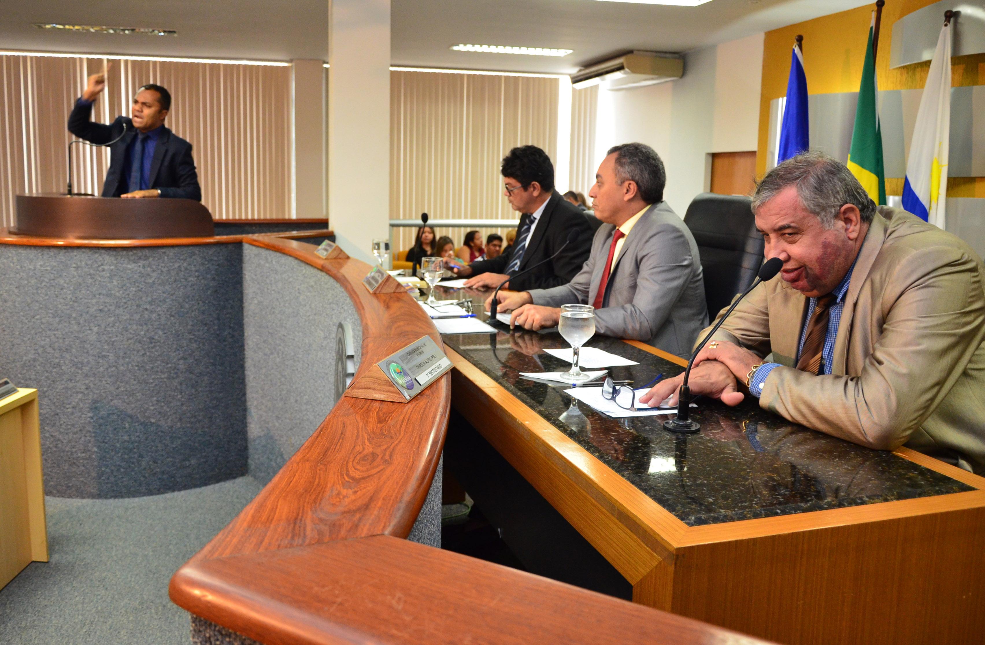 Vereadores repudiam aprovação de Projetos de Lei que limitam atuação da Polícia Civil